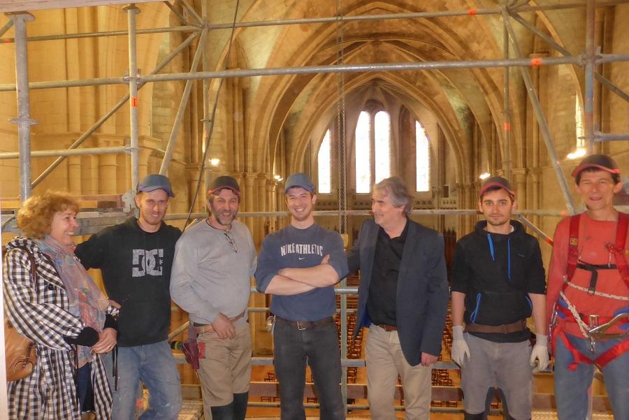 une partie de l'équipe des facteurs d'orgues , les sourires annoncent un orgue exceptionnel !