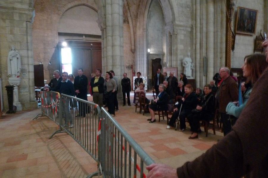 on attend avec impatience l'ouverture symbolique de la 1ère caisse de matériel de l'orgue