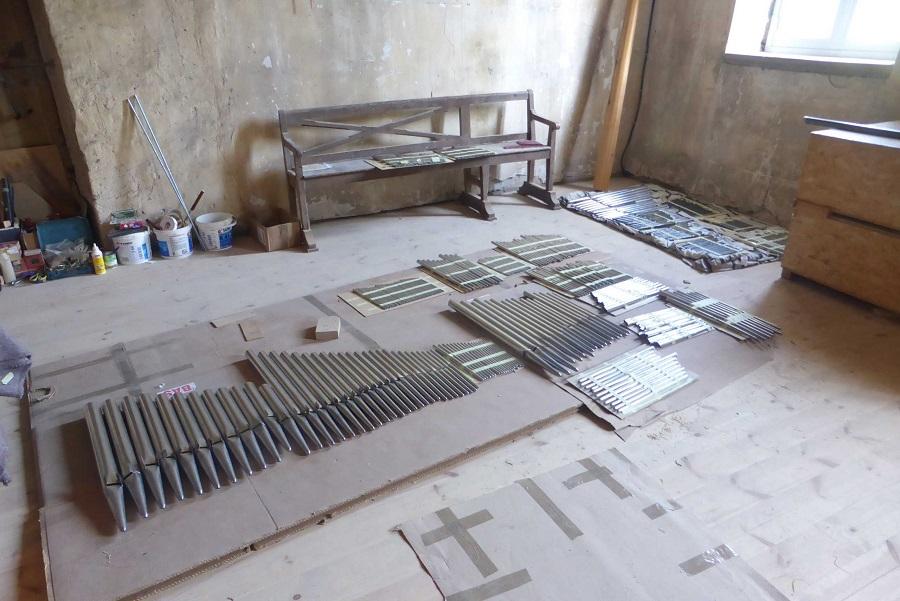 tuyauterie prête à être installée dans l'orgue